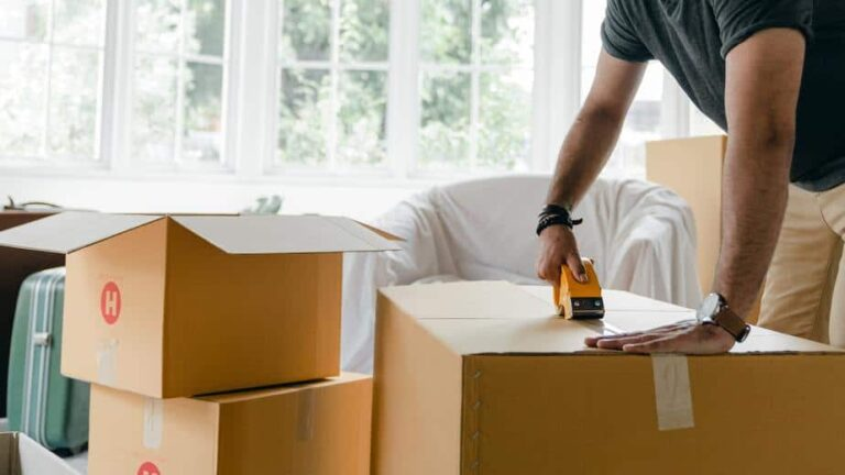 przeprowadzka do remontu, pakowanie kartonów